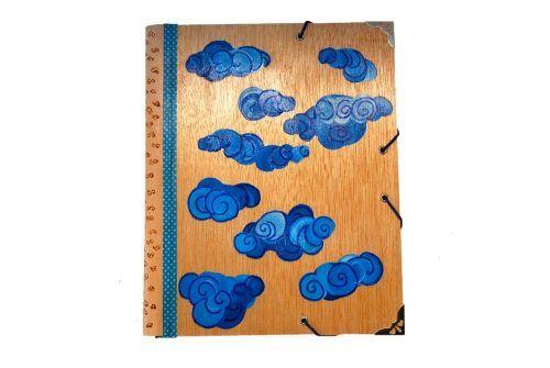 Carpetas de madera pintadas a mano