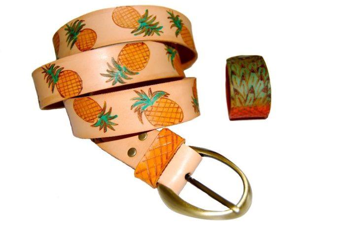 Cinturón de piel Piñas pintado a mano