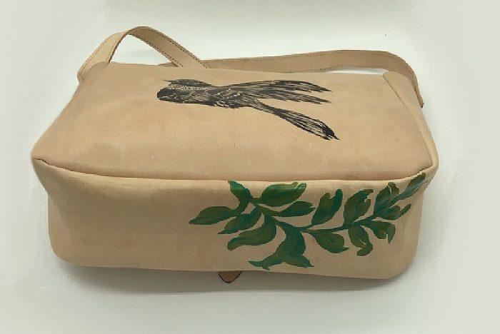Bolso de piel Pajarico pintado a mano